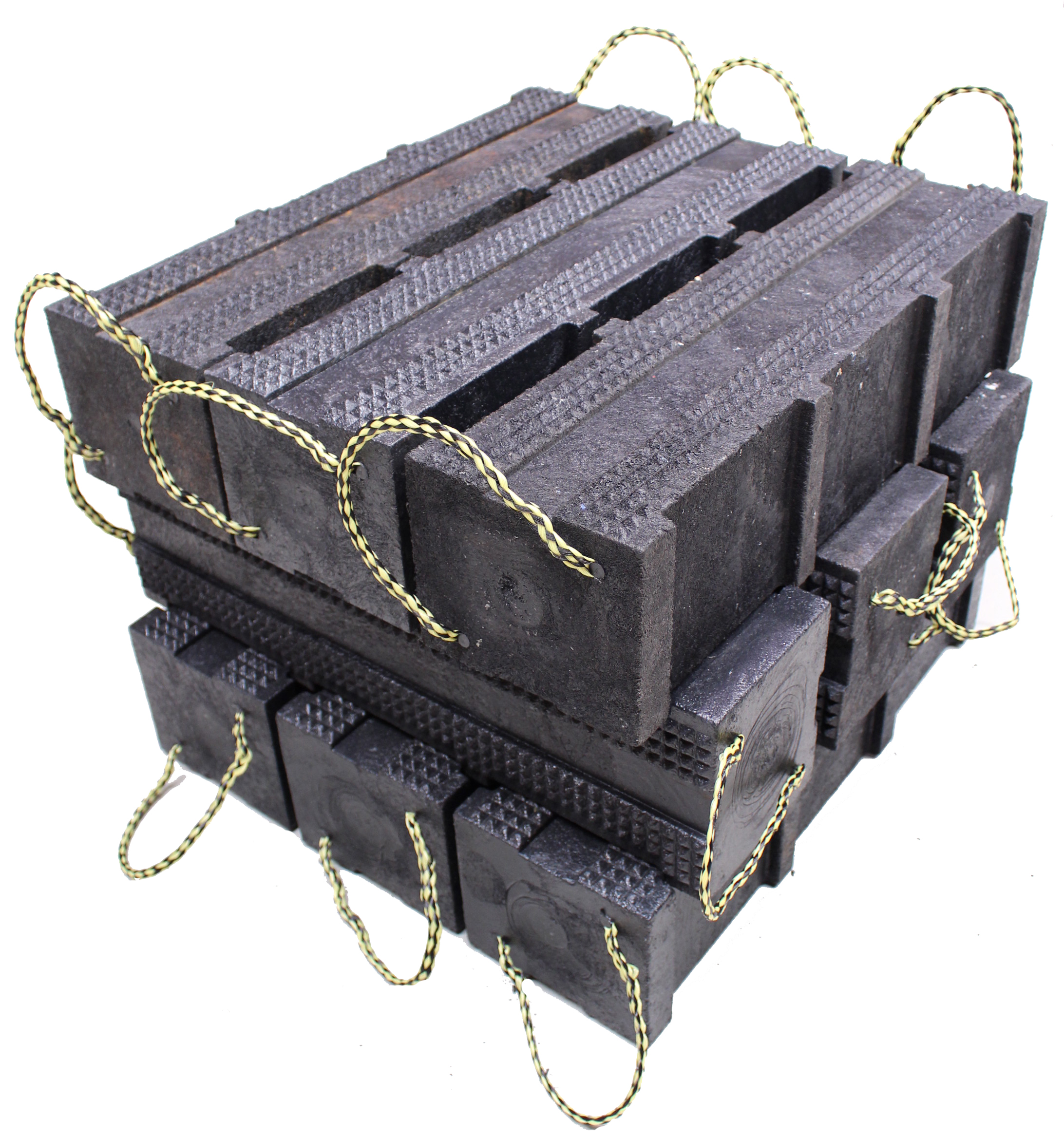 Cribbing and jacking blocks can take heavy loads